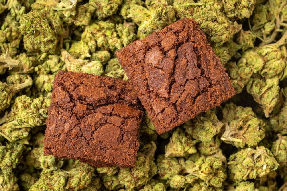 Delicious cannabis brownies bought online